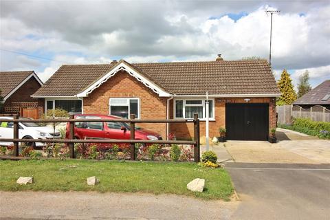 3 bedroom bungalow for sale - Sundon Road, Chalton, LU4