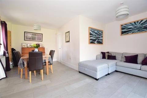 4 bedroom detached house for sale - Hazelwood Close, Tonbridge, Kent