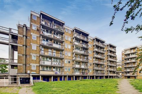3 bedroom flat for sale - Tissington Court, SE16