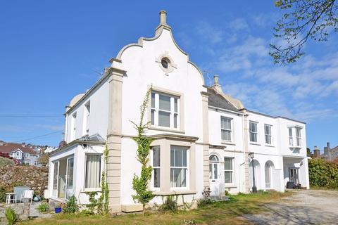 5 bedroom semi-detached house for sale - Saracen Way, Penryn