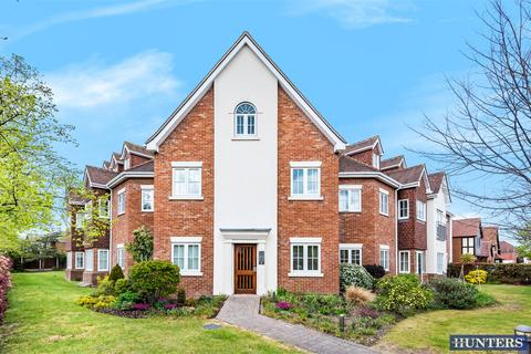2 bedroom flat for sale - Apartment 7 Tilia Court, 1 Berther Road, Hornchurch, RM11 3HU