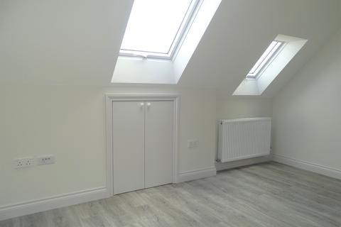 2 bedroom flat to rent - Lady Margaret Road, UB1