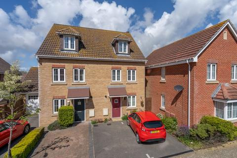 3 bedroom semi-detached house for sale - Osborne Way, Rose Green, Bognor Regis, West Sussex, PO21 3DN
