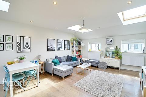 2 bedroom mews for sale - Station Passage, South Woodford, London, E18