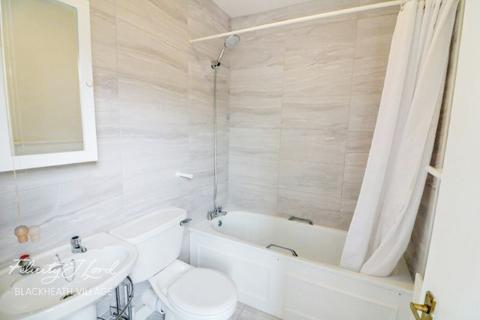 3 bedroom apartment for sale - Royal Herbert Pavilions, LONDON