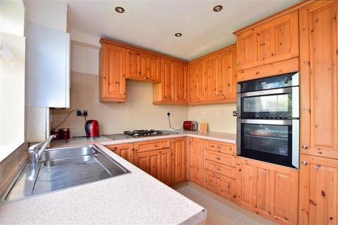 2 bedroom terraced house for sale - Woodrush Way, Chadwell Heath, Essex