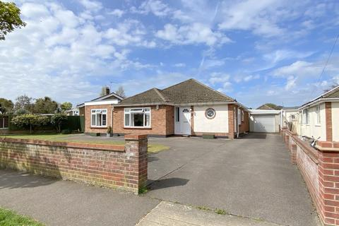3 bedroom detached bungalow for sale - Gunton St. Peters Avenue, Gunton, Lowestoft
