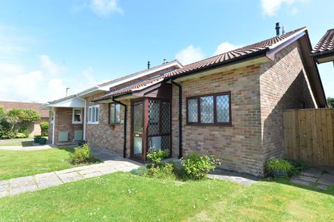 2 bedroom semi-detached bungalow for sale - Ashdown Walk, New Milton