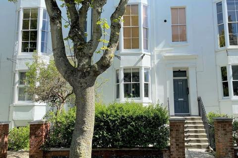 2 bedroom apartment to rent - Compton Avenue, Brighton