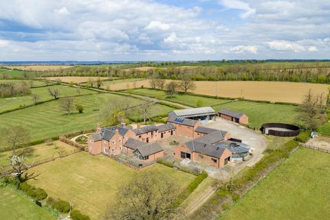 6 bedroom detached house to rent - Baggrave Hall Road, Hungarton