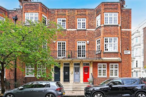 3 bedroom apartment to rent - De Walden Street, London, W1G