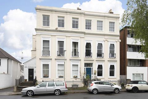 1 bedroom apartment to rent - Priory Street, Cheltenham GL52 6DG