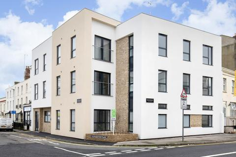 2 bedroom apartment to rent - Gloucester Place, Cheltenham GL52 2RJ