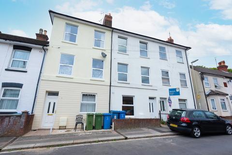 4 bedroom townhouse to rent - Western Road, Aldershot