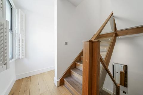 3 bedroom end of terrace house for sale - Kennington, SE11
