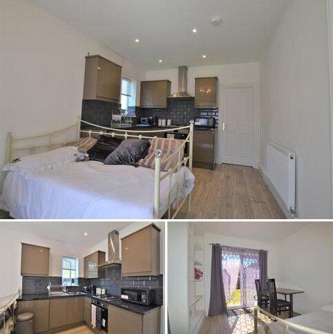 1 bedroom flat to rent - Westhorne Avenue London SE12