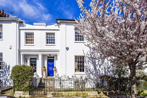 3 bedroom terraced house for sale - St. Peters Villas, London, W6