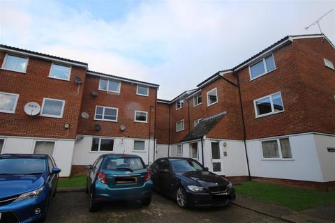 2 bedroom flat to rent - Droveway, Loughton, Essex