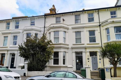 2 bedroom flat for sale - Upperton Gardens, Eastbourne