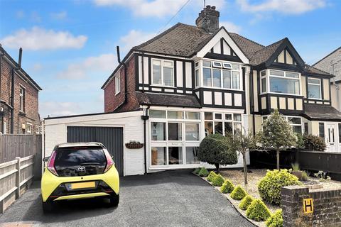 3 bedroom semi-detached house for sale - Freeman Avenue, Eastbourne