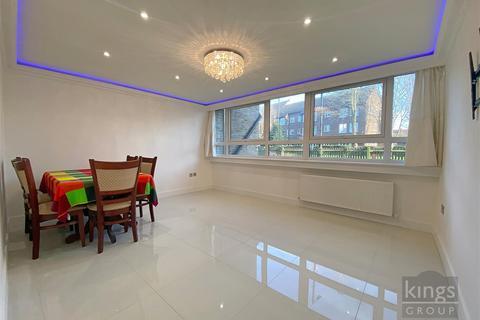 3 bedroom maisonette for sale - Cheviot Close, Enfield