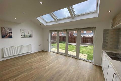 4 bedroom detached house for sale - Delaney Way, New Broughton