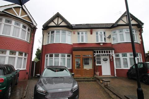 4 bedroom semi-detached house to rent - Huxley Place, Palmers Green, London N13