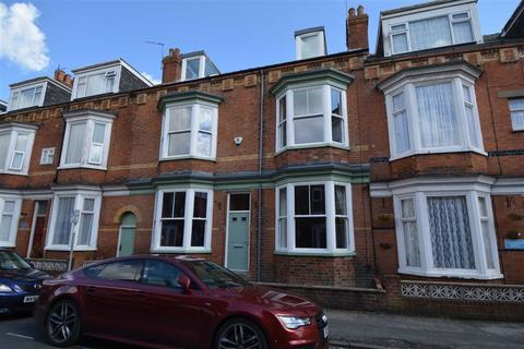 4 bedroom terraced house for sale - Clarence Road, Bridlington, East Yorkshire, YO15