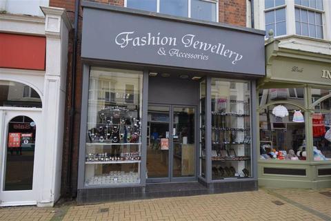Shop to rent - King Street, Bridlington, East Yorkshire