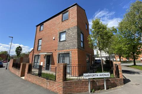 4 bedroom semi-detached house to rent - Garforth Avenue, Miles Platting, Manchester