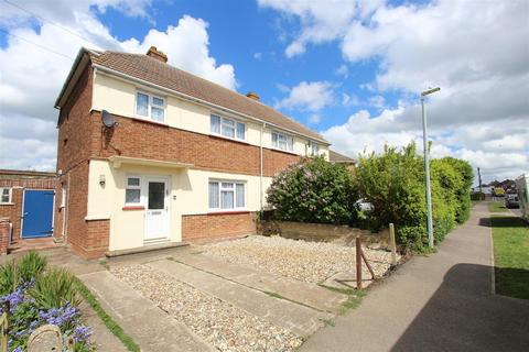 3 bedroom semi-detached house to rent - Harps Avenue, Minster On Sea, Sheerness