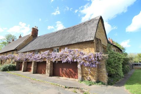 3 bedroom cottage for sale - Church Street, Boughton, Northampton