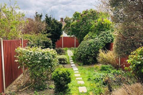 4 bedroom house to rent - Parsloes Avenue, Dagenham
