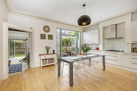 6 bedroom detached house for sale - Gorst Road, London, SW11