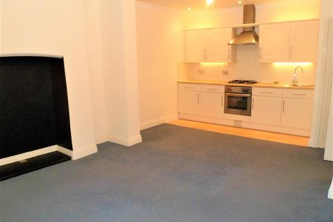 2 bedroom flat to rent - Sea Road, Boscombe