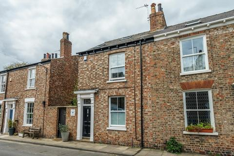 3 bedroom end of terrace house for sale - Fairfax Street,  Bishophill, York