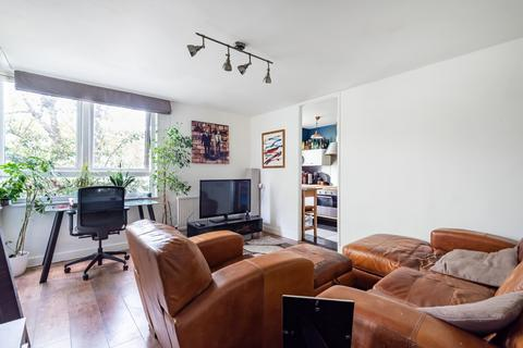 1 bedroom flat for sale - Manaton Close Peckham SE15