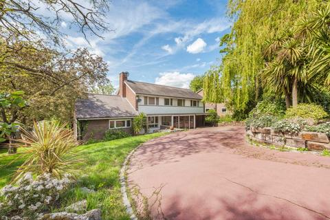 4 bedroom detached house for sale - Woodhall Drive Dulwich SE21 7HJ