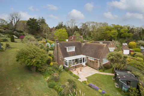 2 bedroom detached bungalow for sale - Peakdean Close, Friston BN20