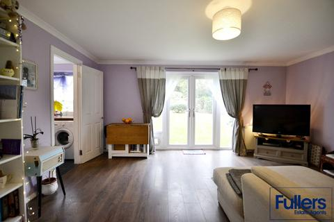 2 bedroom flat for sale - 5 Gallus Close, London, N21 1JR.