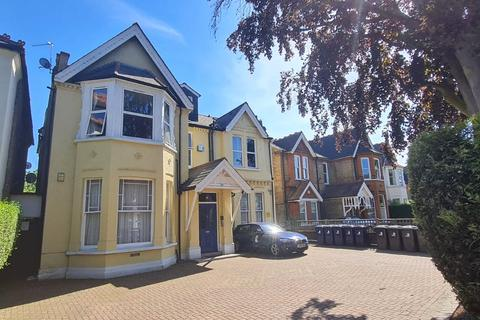 Studio to rent - Madeley Road, Ealing, London, W5