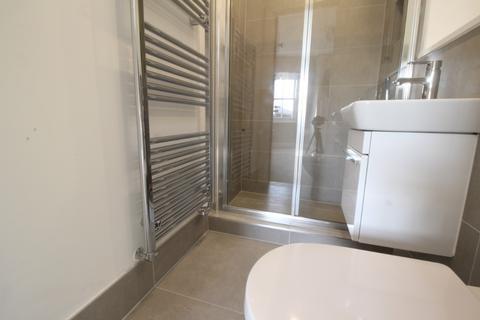 2 bedroom flat to rent - High Street, Maidenhead, SL6