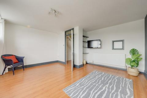 2 bedroom maisonette for sale - Knowles Hill Crescent, Hither Green, London, SE13