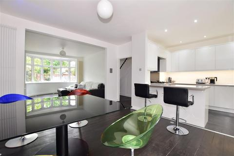 4 bedroom terraced house for sale - Harman Avenue, Woodford Green, Essex