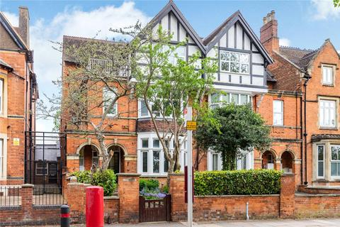 5 bedroom detached house for sale - Billing Road, Northampton, NN1