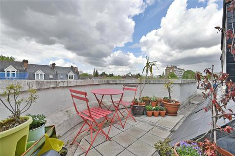 1 bedroom property for sale - Winchester Avenue, Queens Park, NW6
