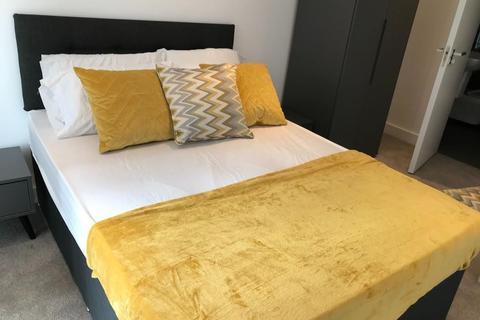 2 bedroom apartment to rent - Riverside Court, 20 Nine Elms Lane, London, SW8