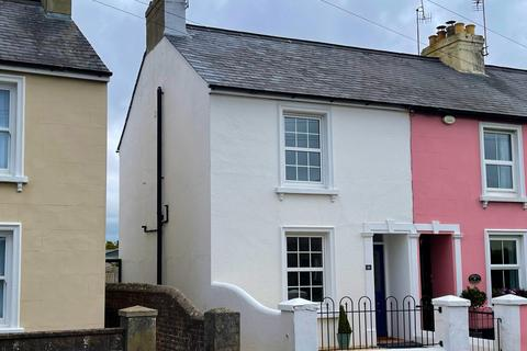3 bedroom semi-detached house for sale - Bognor Road, Chichester, PO19