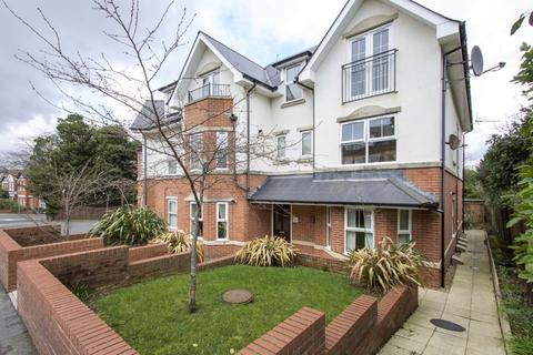 1 bedroom flat for sale - Southbourne Road, Southbourne