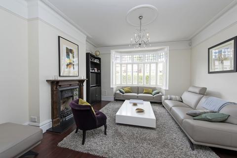 4 bedroom detached house to rent - Muncaster Road, SW11